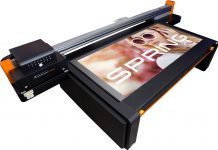 Mutoh presenting PerformanceJet 2508UF.