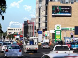 Tractor Outdoor Erects Cape Town's Largest Digital Sign