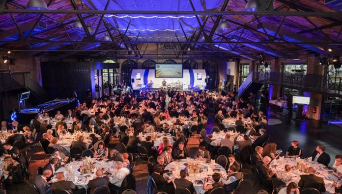 FESPA Awards 2019 now open to PSPs and sign-makers.