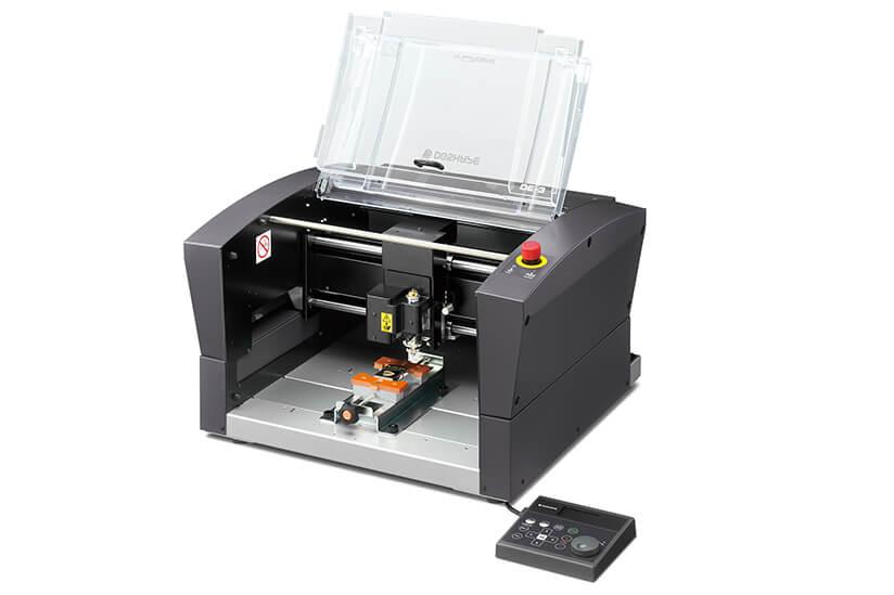 Roland DG Launches DE-3 Next Generation Engraver - Sign Africa