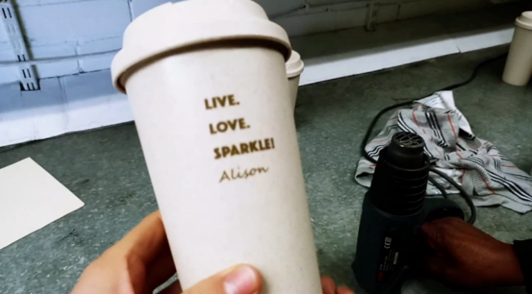 Video: How To Brand On Plastic Coffee Cups
