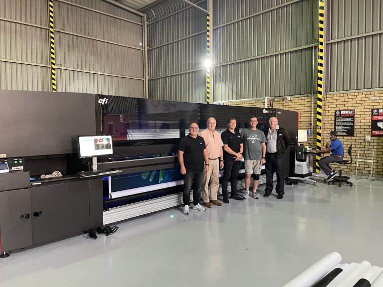 Graphix Supply World Installs Large Format LED Roll-To-Roll Printer
