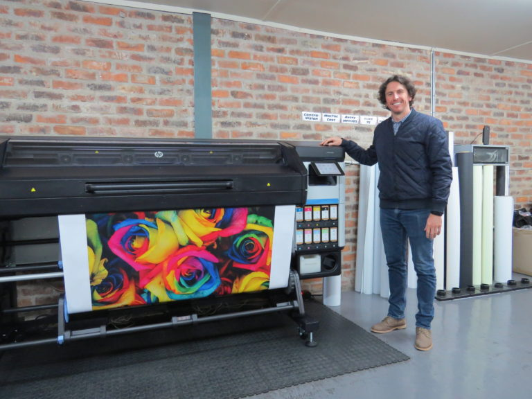 Midcomp Installs First HP Latex 700W In South Africa